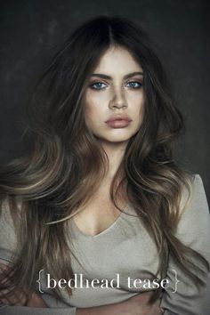 This season, the warmth and natural looking shades of brown hair color will capture your heart young ladies! The brown hair color ideas will make you feel My Hairstyle, Pretty Hairstyles, Hairstyle Ideas, Amazing Hairstyles, Latest Hairstyles, Hairstyles Haircuts, Model Tips, Hair Colorful, Corte Y Color