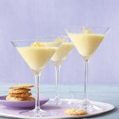Leichte Zitronencreme - [ESSEN UND TRINKEN] Lemon Desserts, Köstliche Desserts, Dessert Drinks, Low Carb Desserts, Dessert Recipes, Yummy Recipes, Sweets Cake, Party Snacks, Mascarpone