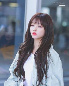 Oh My Girl Yooa, Classy Girl, Girl Photos, Kpop Girls, Korean Girl, Asian Beauty, Pretty Girls, Amazing Women, Ulzzang