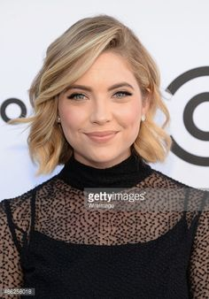 Actress Ashley Benson attends The Comedy Central Roast of Justin. Bob Haircut For Round Face, Short Hair Cuts For Round Faces, Short Hair Styles Easy, Curly Hair Styles, Celebrity Hairstyles, Bob Hairstyles, Wedding Hairstyles, Ashley Benson Short Hair, Ashley Benson Haircut