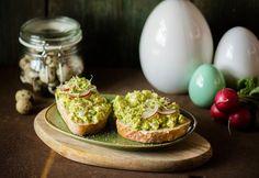 Avokádós tojássaláta Guacamole, Sandwiches, Eggs, Salad, Breakfast, Ethnic Recipes, Food, Cooking Ideas, Cilantro