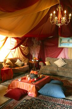 I like this, it's like the Weasley tent. When I finally stop moving I'm going to live in the house that JK Rowling inspired...