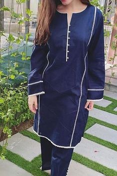 Stylish Dresses For Girls, Stylish Dress Designs, Casual Dresses, Women's Casual, Stylish Dress Book, Girls Dresses Sewing, Simple Pakistani Dresses, Pakistani Dress Design, Pakistani Fashion Party Wear