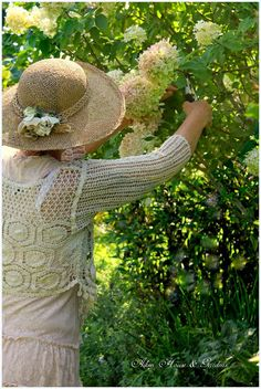 carolyn ~ precious & sweetest friend ~ picking hydrangea ~ autumn colours ~ aiken house & garden