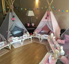 trendy birthday party ideas for girls sleepover awesome Sleepover Birthday Parties, Girl Sleepover, Birthday Party For Teens, Girl Birthday, Kid Parties, Pyjamas Party, Fun Sleepover Ideas, Teepee Party, Girls Party