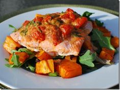 Baked Salmon with Roasted Tomatoes and Butternut Squash | Slimming Eats - Slimming World Recipes