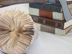 paper protea - I Love This and ThatI Love This and That Glue Crafts, Book Crafts, Diy And Crafts, Book Folding, Paper Folding, Folded Paper Flowers, Diy Paper, Paper Crafts, Fabric Beads
