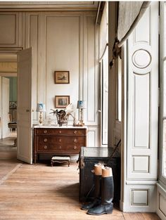 Interior Architecture Loft - French Interior Inspiration - Classic Interior Stairs - Home Interior Art - - House Interior Grey My French Country Home, French Country House, House Design, Interior, Home, French Interior, House Interior, Painting Trim, English Interior