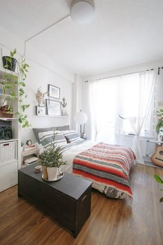 Arranging your furniture is hard enough when all the furniture you own isn't jammed into a single room. But here you are, in your itty bitty one room apartment, generously called a 'studio', and all that stuff has to go somewhere. Take heart! And take a few lessons from these real-life studio apartment layouts, created by real-life studio apartment dwellers life yourself.