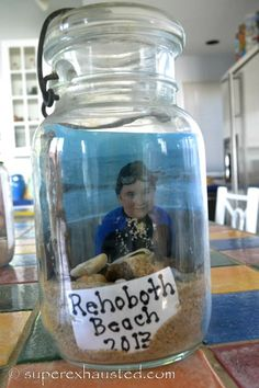 Great Idea Beach Memory Jars #beach #crafts #kids Like this a lot. Good idea!! :)