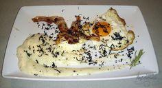 Huevos trufados sobre crema de patata al romero #gastronomia #teruel #rural