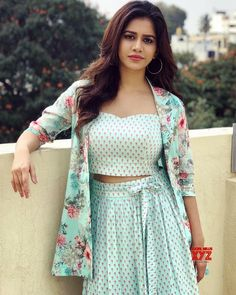 Nabha natesh erotic cleavage queen Bollywood and tollywood with her curvy body show. Hot and sexy Indian actress very sensuous thunder thigh. Actress Pics, Tamil Actress Photos, Indian Actress Gallery, Hollywood Heroines, Photoshoot Pics, Indian Models, Beauty Full Girl, Beautiful Indian Actress, Beautiful Actresses