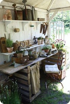 Shabby Chic Potting Shed. this is what I want the inside of my garden shed to look like! Shabby Chic Potting Shed. this is what I want the inside of my garden shed to look like! Garden Deco, Garden Tools, Garden Sheds, Garden Shed Interiors, Garden Farm, Garden Games, Cottage Gardens, Garden Crafts, Dream Garden