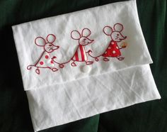 Embroidery On Clothes, Baby Embroidery, Machine Embroidery Applique, Hand Embroidery Stitches, Embroidery Fashion, Applique Quilts, Embroidery Designs, Sewing Crafts, Sewing Projects