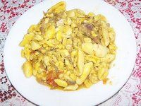 Salt fish and ackee Jamacian Food, Jamaica Vacation, Jamaican Recipes, Food Items, Macaroni And Cheese, Eat, Ethnic Recipes, Apple, Fish
