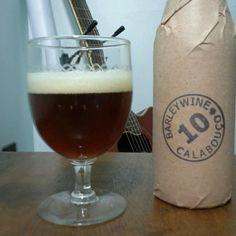 Cerveja Calabouço, estilo Barley Wine, produzida por  Cervejaria Caseira, Brasil. 10% ABV de álcool.