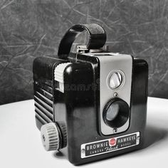 Download Vintage Kodak Brownie Camera Editorial Image - Image: 107255525 #CameraGear #KodakDslrCameras