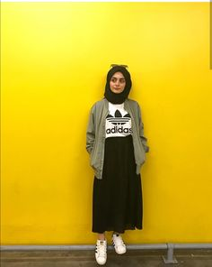 ZAFUL offers a wide selection of trendy fashion style women's clothing. Modern Hijab Fashion, Street Hijab Fashion, Hijab Fashion Inspiration, Muslim Fashion, Modest Fashion, Look Fashion, Skirt Fashion, Fashion Outfits, Hijab Style