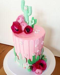 @missbakeface. Cinco de mayo cake. Mexican fiesta birthday cake. Cactus cake