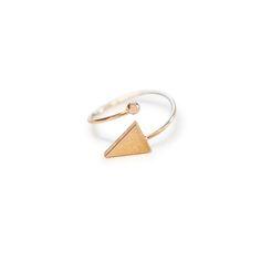 Bague triangle dorée
