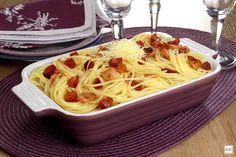 Quer dar um toque diferenciado a um prato clássico? Aposte então nessa receita de espaguete ao alho e óleo com bacon! É muito saboroso! Fast Workouts, Pasta, Grilling, Spaghetti, Food And Drink, Cooking, Ethnic Recipes, Toque, Foods