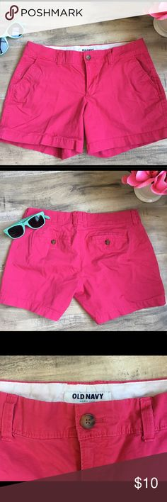 🌺Old Navy Hot Pink Bermuda Summer Shorts Size 4 Old Navy Womens 4 Regular Bright Pink Shorts 97% Cotton 3% Spandex Perfect Rose  Great Condition, NO Flaws  Thanks, Old Navy Shorts Bermudas
