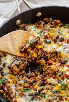 Turkey Taco Quinoa Skillet - Spoonful of Flavor quinoa and ground turkey recipes Clean Eating Snacks, Healthy Eating, Healthy Food, Healthy Rice, Healthy Chicken, Mexican Food Recipes, Dinner Recipes, Turkey Meat Recipes, Lunch Recipes