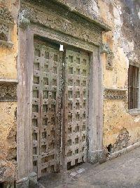 I'm a sucker for old doors like this one at Escondidinho, Ilha de Moçambique.