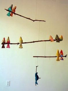 diy mobiles - Love this Bird mobile. Got a smaller version in Maui just so I could remake it! Lots of other great ideas too. Handgemachtes Baby, Diy Baby, Bird Mobile, Branch Mobile, Mobile Art, Cloud Mobile, Felt Mobile, Handmade Baby Gifts, Fabric Birds
