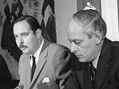 En 1969, il fait le saut en politique. Il adhère au Parti québécois de René Lévesque.