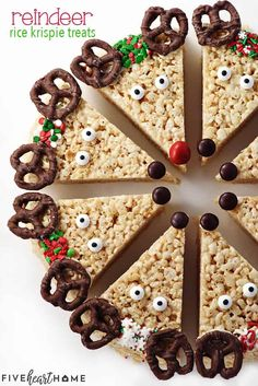 Reindeer Rice Krispie Treats Recipe ~ a cute, festive, and easy to make Christma. - Reindeer Rice Krispie Treats Recipe ~ a cute, festive, and easy to make Christmas recipe that's a - New Year's Desserts, Holiday Desserts, Holiday Baking, Holiday Treats, Holiday Recipes, Dinner Recipes, Rice Recipes, Christmas Dessert Recipes, Dinner Menu