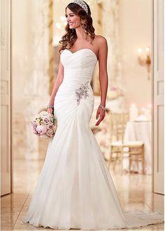 Elegant Organza Sweetheart Neckline Natural Waistline A-line Wedding Dress