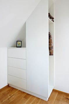 Vacation Rental W5 contemporary-closet