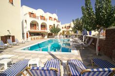 Santorini, appartementen Fomithea, 8 dagen vanaf €569 p.p. Voor boekingen en informatie bel 06 464 87 871 of mail voor een vrijblijvende offerte jennifer.hunte@personaltouchtravel.nl Santorini, Outdoor Decor, Home Decor, Homemade Home Decor, Decoration Home, Interior Decorating