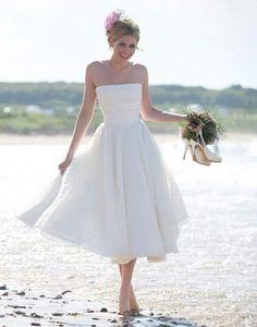 Simple Wedding Dress Beach Ceremony