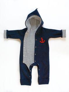 Overall in maritimen Stil für Babys // overall in maritime style by internaht via DaWanda.com
