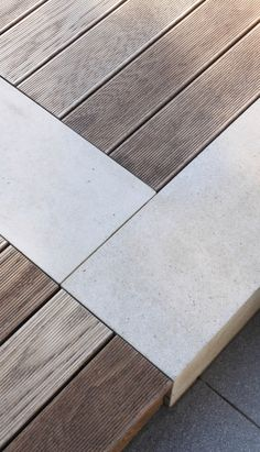 pískovcové hranoly a terasa z thermojasanu / sandstone prisms and decking of thermo ash