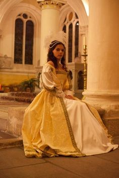 Queens Costume 17th Century