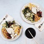 COLORFUL DINNER  Salade compose du jardin  baies de goji le tout accompagn dune sauce au gorgonzola bio salade colorfuldinner blogger fashionblogger igers nice wiw whatiwore like thegreenananas blogocrew pligfr photooftheday picoftheday love instalike intagood lovely food cooking healthy healthyfood nice