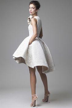 Vestido corto de Krikor Jabotian
