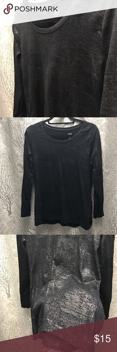 Shimmery long sleeved top✨30% off bundles of 3 Black top that has unique pattern to it. Appears somewhat shimmery in gray or even brown, depending on the light. Really cool pattern. It also has some cool stitching details on the back and shoulders to give it more of an edgy look. Only wore it once. a.n.a Tops Tees - Long Sleeve