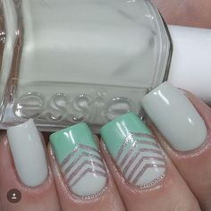 I so love this mani by @carlysisoka! Carly has done a guest blog post on snailvinyls.com giving a step by step tutorial on how to create this look! Please check it out! - Small Single Chevron Nail Vinyls snailvinyls.com