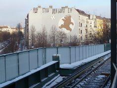 Blick vom U-Bahnhof Eberswalder Straße!