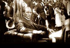 Emanullah HAN, Afgan Kralı</br>O büyük insan yalnız Türkiye için değil, bütün doğu milletleri için de en büyük önderdi. Blond, Turkish Army, The Turk, Franklin Roosevelt, Great Leaders, The Republic, Hero, Concert, Pictures