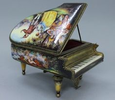 viennese enamel miniature piano music box etui