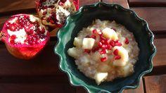 Porridge mela e melograno. Buono e salutare