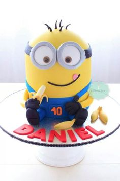 Minion!!! This will be my kids party theme.....when i have one lol