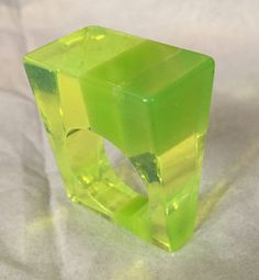 60s clear green stripes heavy laminated lucite ring Size 7.5