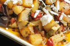 Τυροπιτάκια του πεντάλεπτου! - Eimaimama.gr Kung Pao Chicken, Potato Salad, Pork, Potatoes, Sweet, Ethnic Recipes, Kitchens, Kale Stir Fry, Candy