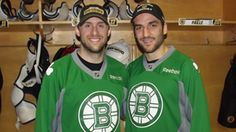 i love you st. patrick's day bruins, esp you on the right...my right. I wonder how your Canadian Sheilleglah is........